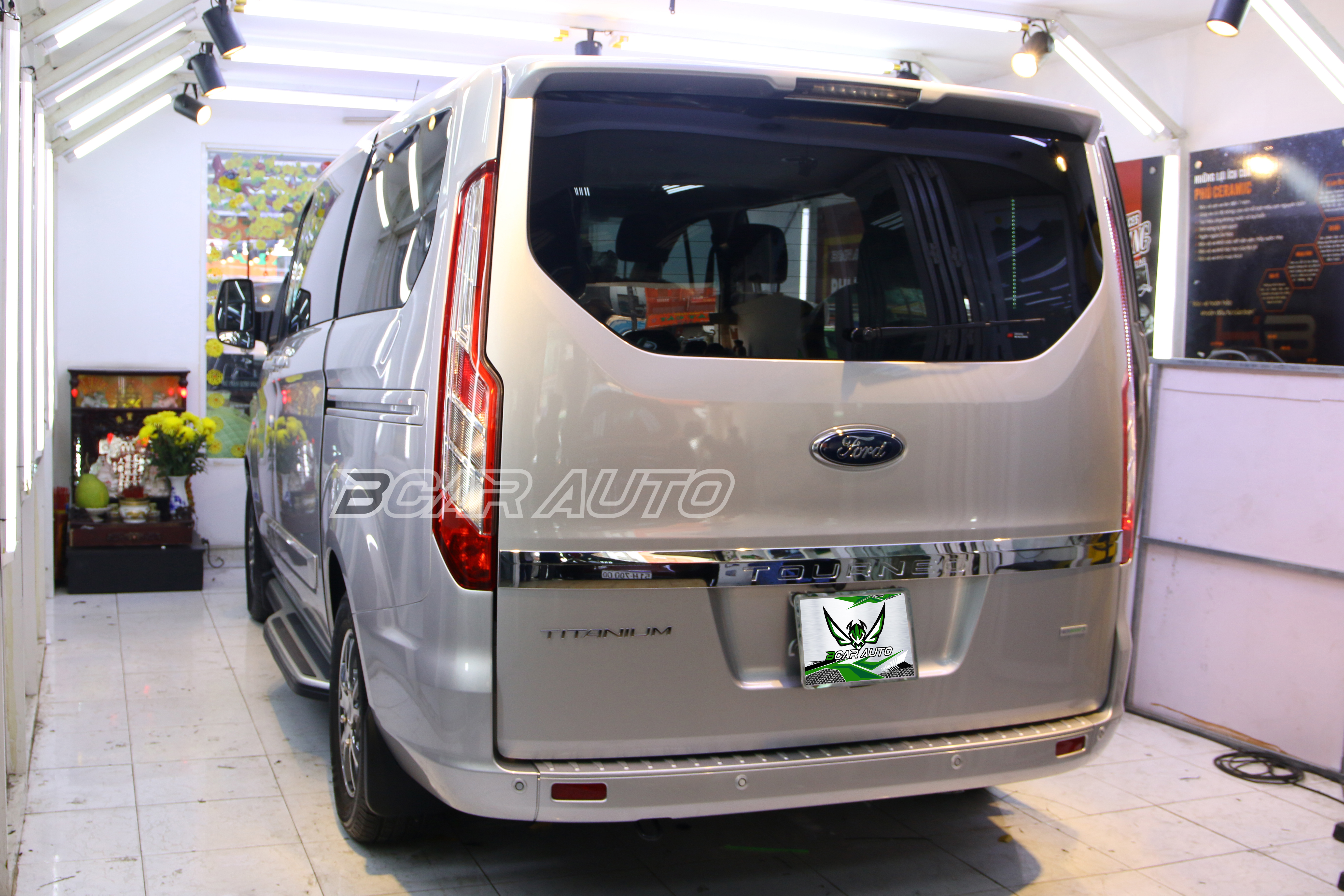 Body kit xe Ford Tourneo