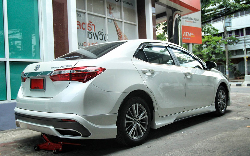 body kit xe altis 2019