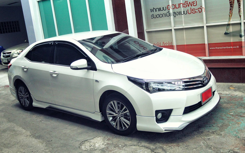 Body kit xe Toyota Altis